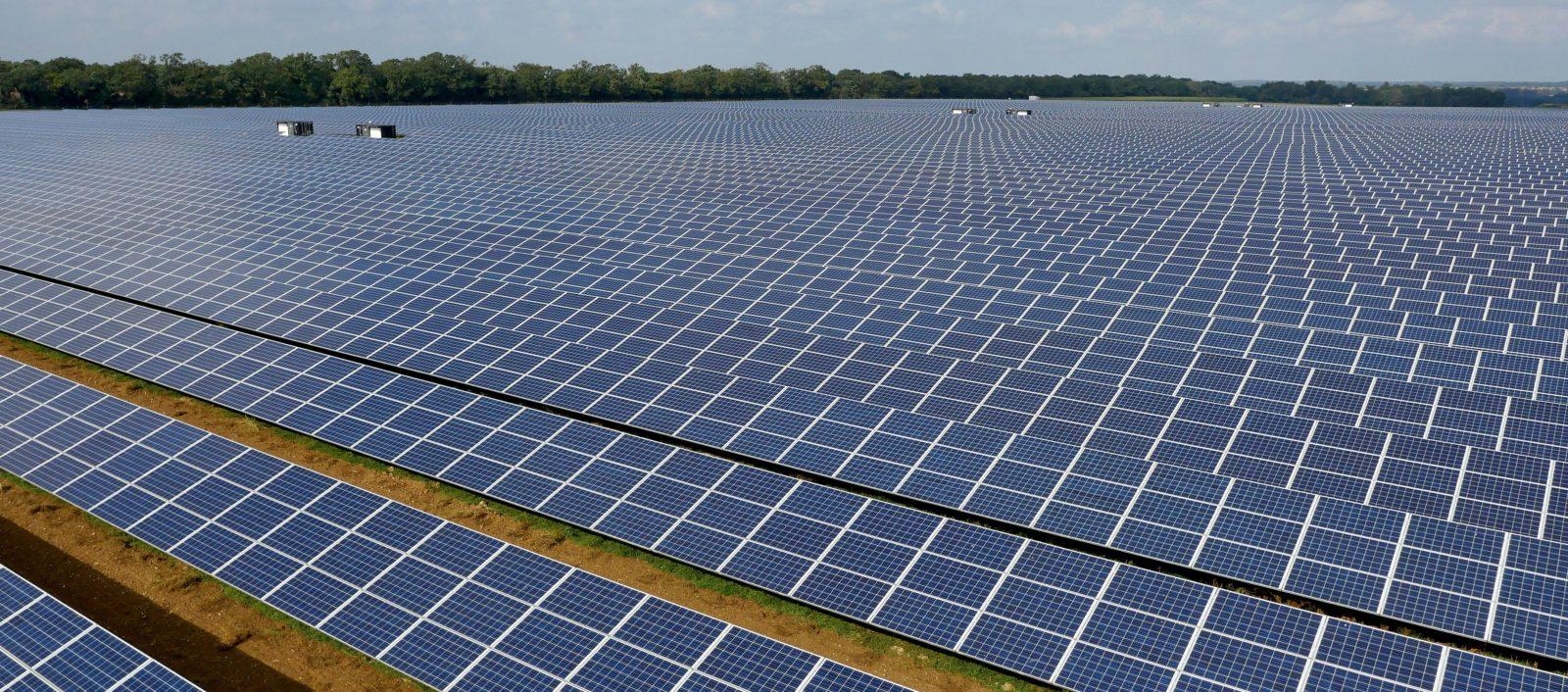 Plantas solares y megaproyectos